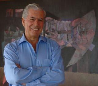 El escritor peruano Mario Vargas Llosa ha visitado hoy la Real Escuela Andaluza de Arte Ecuestre