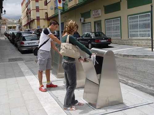 Contenedores soterrados de residuos urbanos