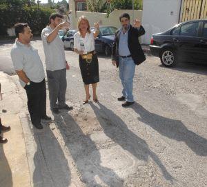 La Alcaldesa de Marbella en una visita vecinal