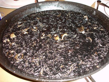 Arroz negro: especialidad del Restaurante Las olas