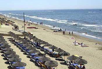 Playa de las Chapas, junto al Restaurante Cristina