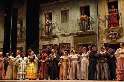 Los vestidos forman parte de las producciones del Teatro Villamarta de Jerez