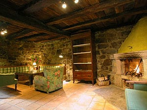 Casas r sticas con encanto en cantabria 1 for Aseos rusticos
