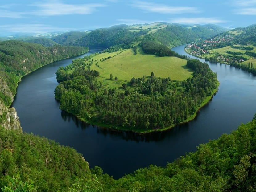 El amazonas es una de las Regiones geográficas de Colombia