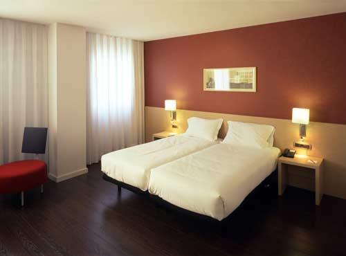 Hotel luz castell n for Universidades con habitaciones