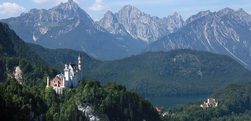 castillo Neuschwanstein de lejos