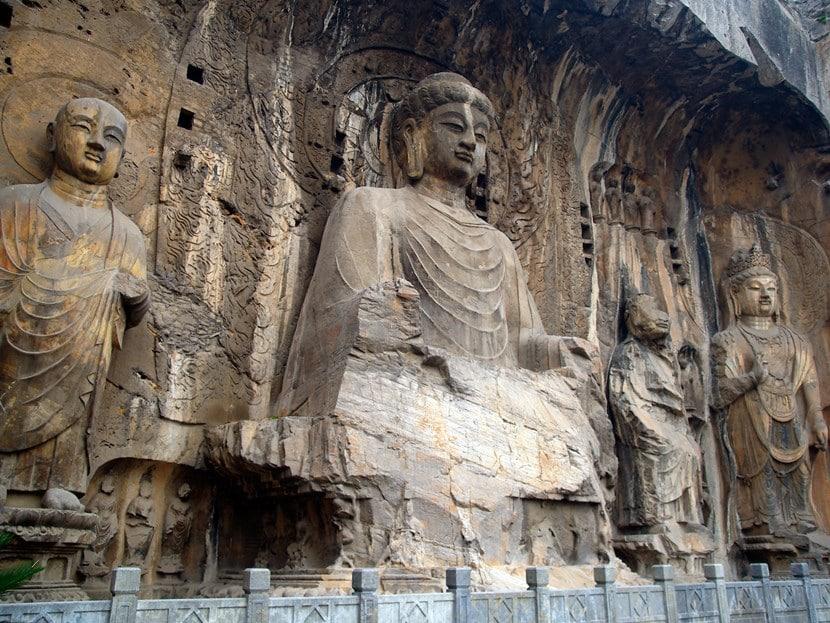 Escultura china fabricada en piedra