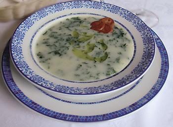 Sopa fría de ajos