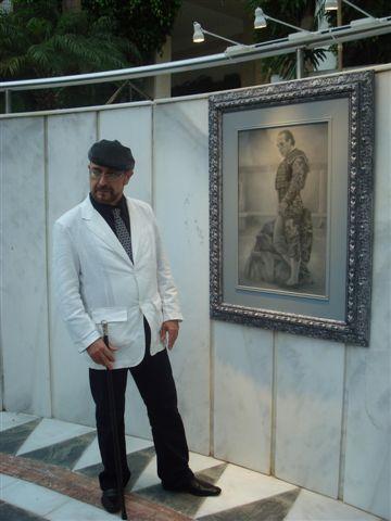 Gonzalo Pozo en un momento de su exposición en Marbella