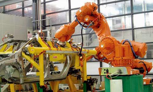 Robot en una cadena de montaje