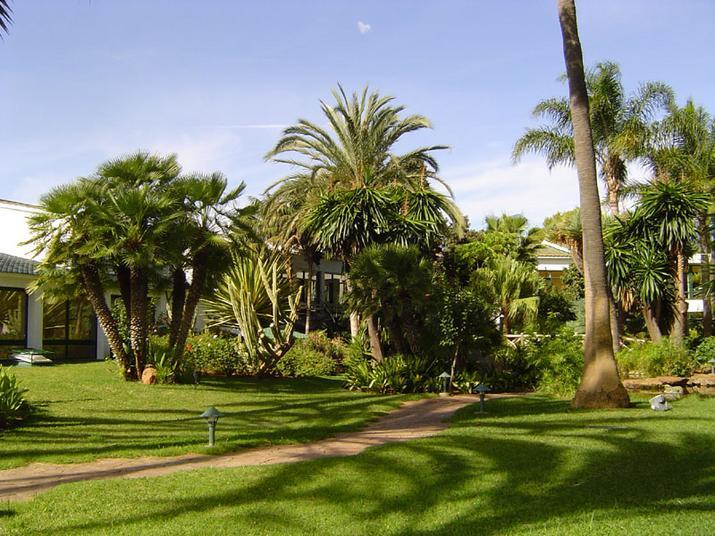El entorno del Hotel los Monteros es paradisiaco