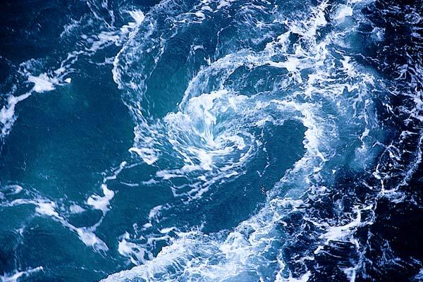 saltstraumen-el-remolino-de-agua-mas-poderoso-del-mundo