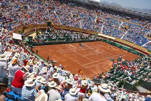 Coso de Puerto Banús a rebosar durante la Copa Davis