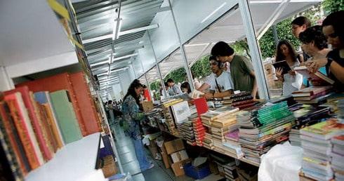 Feria del Libro en el Paseo de la Alameda