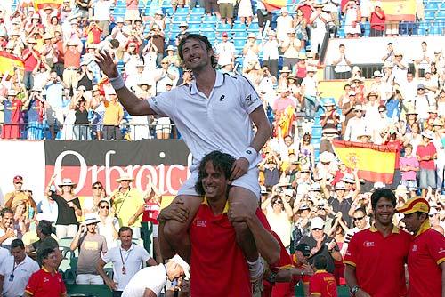 Celebración del 3-2 ante Alemania. Juan Carlos Ferrero fue decisivo