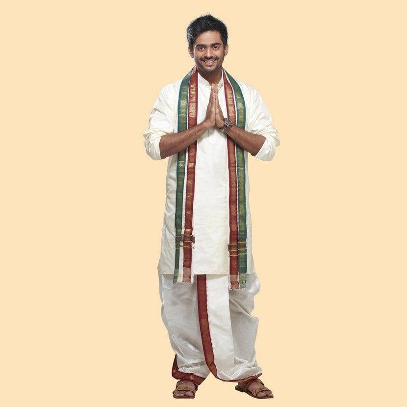 8c8290af36 Tipos de trajes hindúes para hombre. Dhoti. Dhoti
