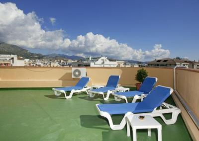 Terraza solarium del Hotel Lima