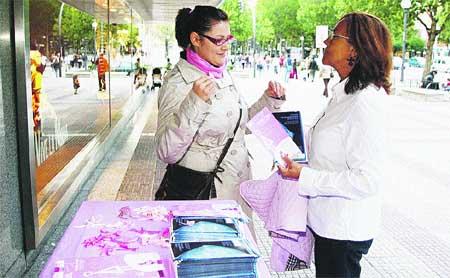 Cuestación a favor de la Asociación Española contra el cáncer