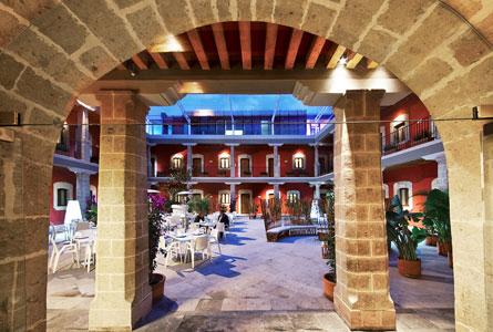 03_hotel-de-cortes_patio