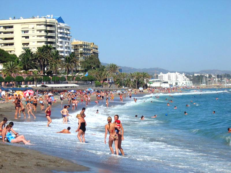 Las playas de Marbella tienen problemas con los temporales que se llevan la arena