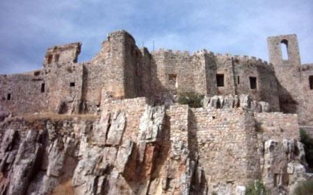 castillo-de-calatrava-la-nueva-de-costado_jpg