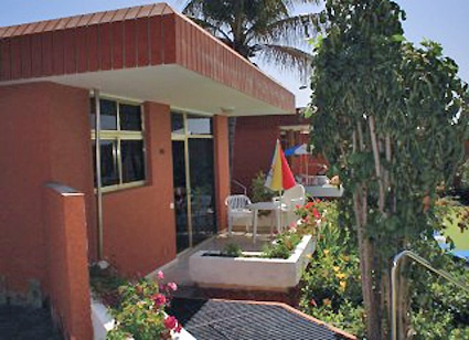 Bungalows do a rosa en san bartolom de tirajana gran canaria for Bungalows jardin del sol gran canaria