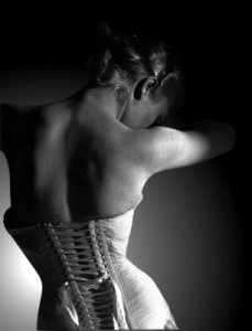 corset2 229x300 Fajas y Corsets: Lencería a la venta en India