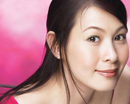 Rene liu famosa cantante y actriz for Musica orientale famosa