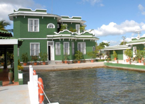 Room photo 719105 casaverde - Casas color verde ...