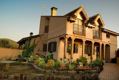 Pin pin casas rusticas fotos de campo madeira interiores e fachadas on on pinterest - Fotos de fachadas de casas rusticas ...