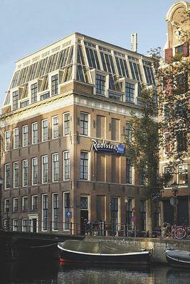 Hoteles 5 estrellas en amsterdam radisson blu for Hoteles en el centro de amsterdam