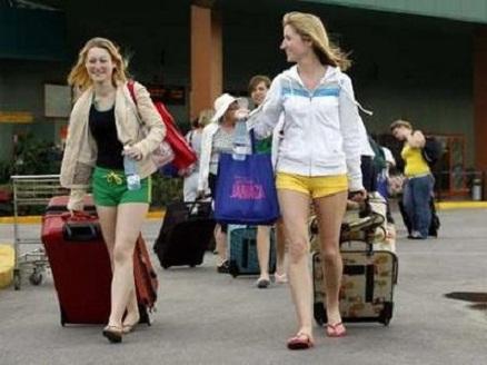 Crece en Camagüey afluencia de visitantes extranjeros en temporada alta de turismo