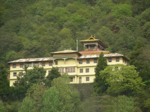 monasterio lachen