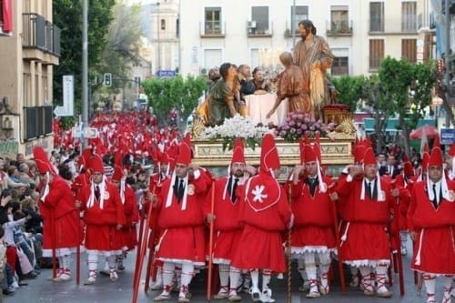 description of la semana santa holiday essay