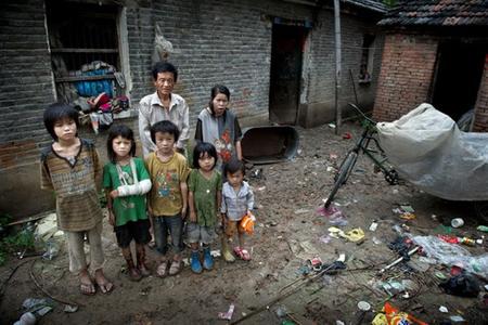 Familias numerosas en china en la pobreza for Alojamiento familias numerosas