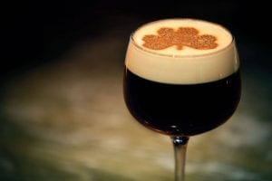Tres bebidas irlandesas típicas