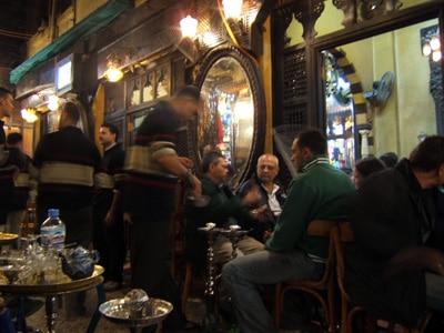 Principales bares en el cairo for Terrace hilton zamalek