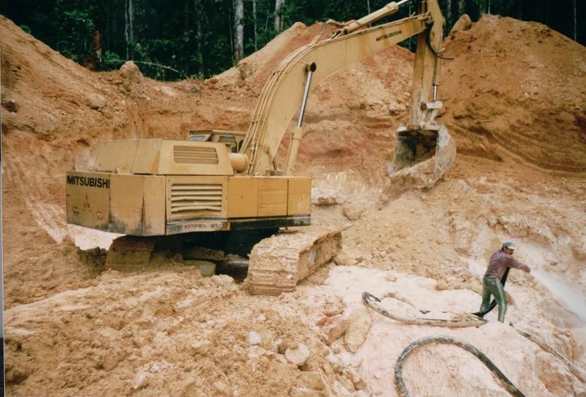 excavadoras en minas de venezuela