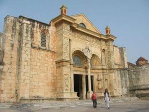 Frontis de la Catedral Metropolitana Santa María de la Encarnación - Santo Domingo