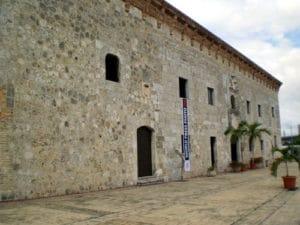 Frontis del Museo de las Casas Reales, en Santo Domingo