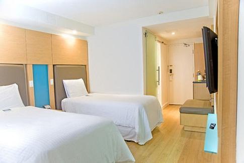 hotel barato toronto: