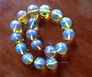 Ámbar Azul convertido en hermoso collar