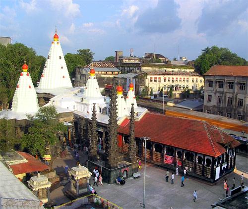 Templo de Mahalaxmi El Templo de Mahalaxmi de en Kohalpur, Maharashtra