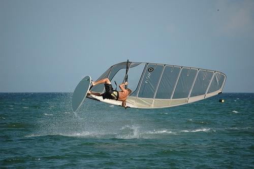 Deportes náuticos en playa de El Yaque en Venezuela