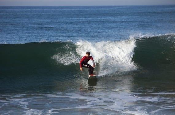 surfista en aguas canarias