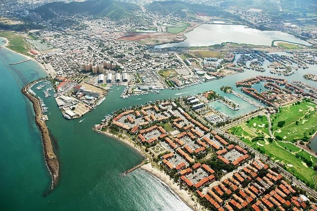 Vista aérea de Puerto la Cruz