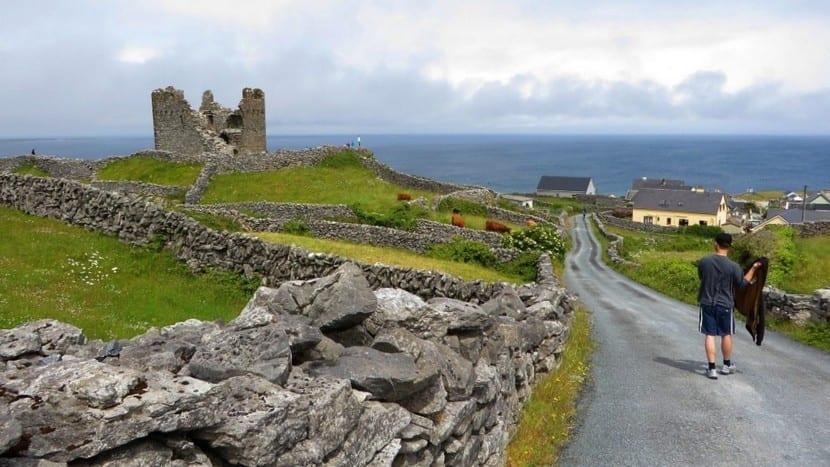 Ruinas de castillo en Irlanda
