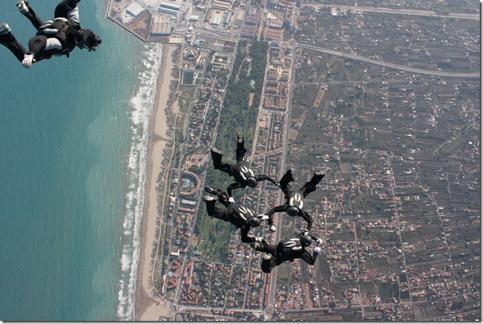 XXXIV Campeonato de paracaidismo en la modalidad VF4 en Castellón