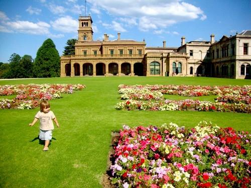 Mansi n werribee de rosas y jardines en melbourne for Sims 2 mansiones y jardines