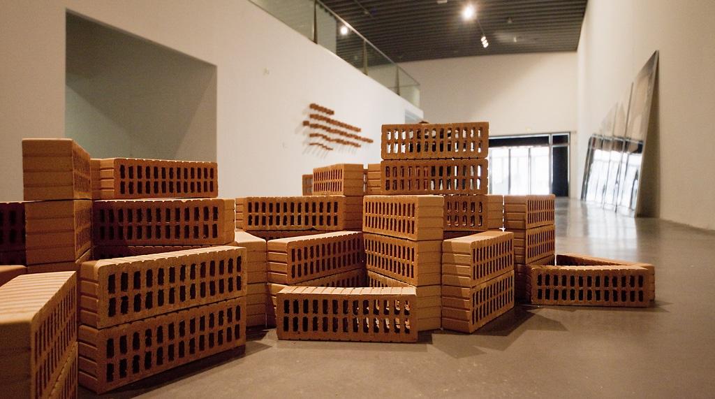 El Espai d'Art Contemporani muestra el urbanismo 'en suspensión'